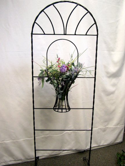 Where to find TRELLIS BLACK W MEDIUM BASKET in Stevens
