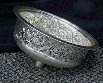 Where to find CANDELABRA SILVER IVY FLORAL BOWL 26 in Stevens