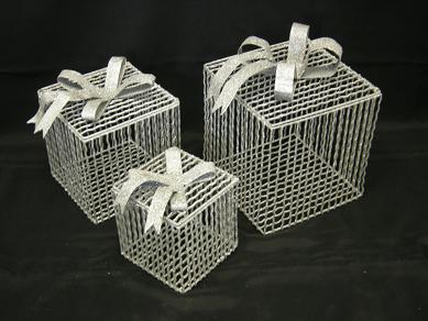 Where to find CARD BOX SILVER LARGE in Stevens
