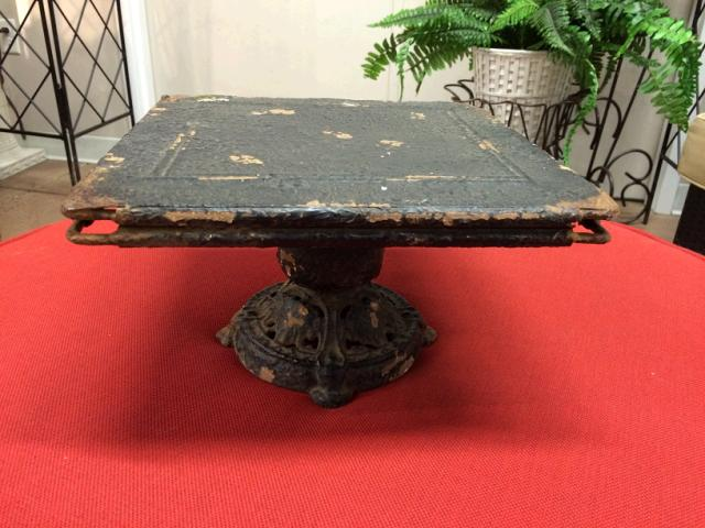 Where to find VINTAGE CAKE STAND BLACK SQ. in Stevens